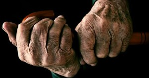 tercera-edad-manos-viejito-907358