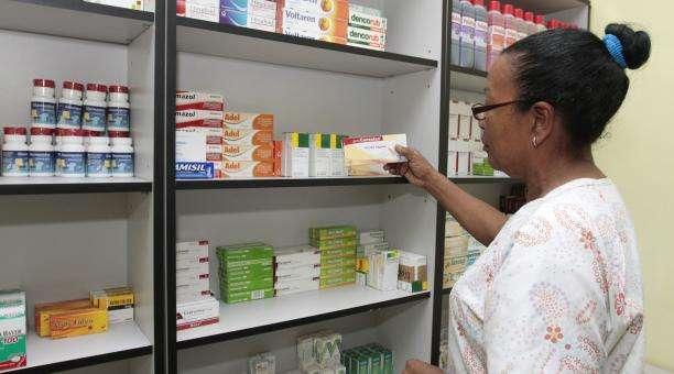 1124271_inaugurada_red_de_farmacias_populares_en_la_avenida_andr_s_bello_de_caracas